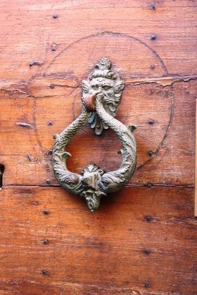 Italian knocker