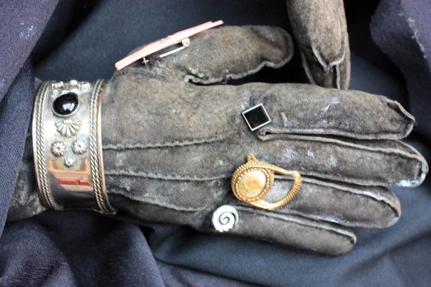 halloween glove