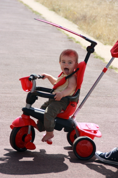 Scarlett tries out her new Smart Trike