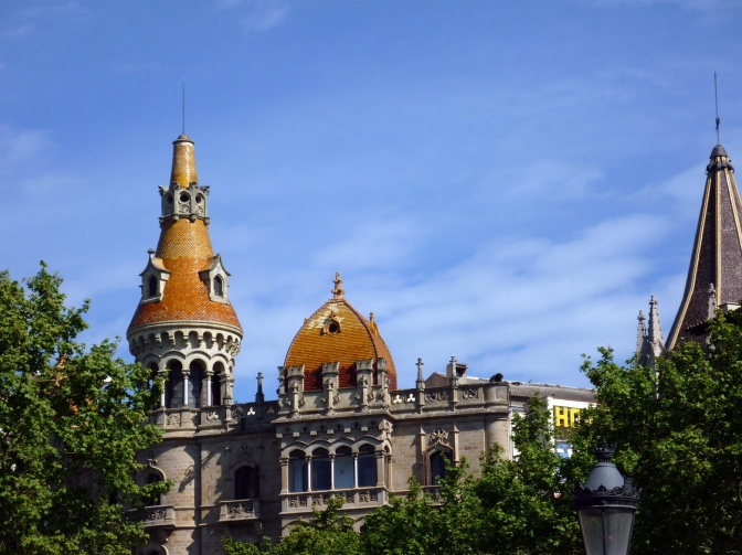 Barcelona, Sant Jordi and the Bus Turistic!