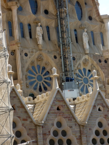 Detail high above