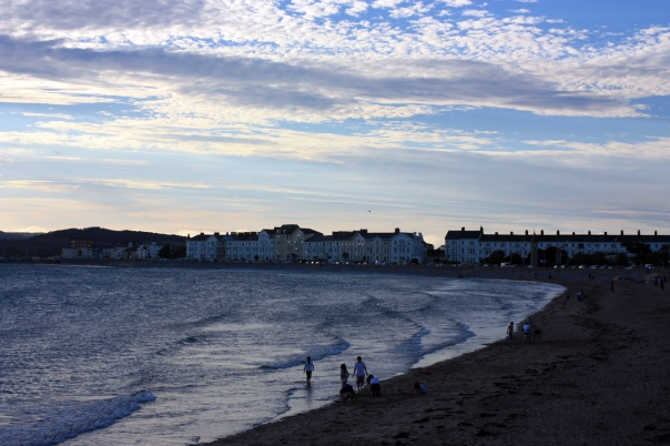An Exmouth seafront evening