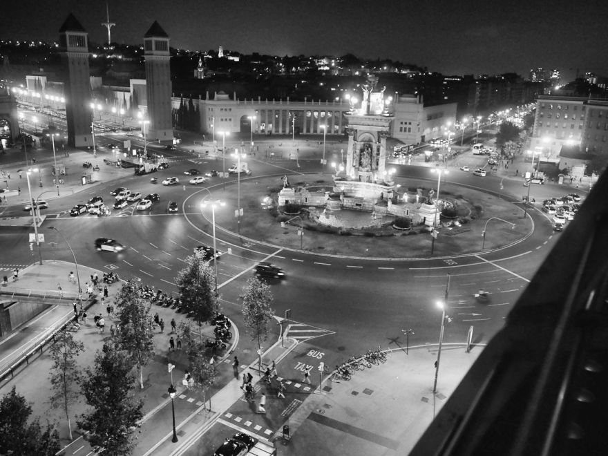 Placa Espanya by night